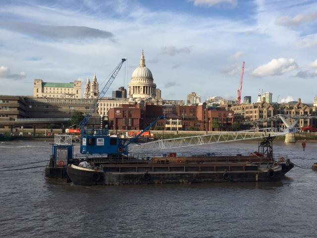 Marine plant Hire Maverick Crane Barge On Thames Tideway Tunnel Project For Volker Stevin
